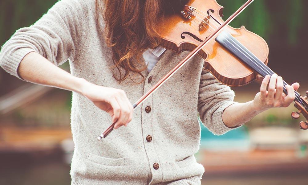 benefícios de saúde da música